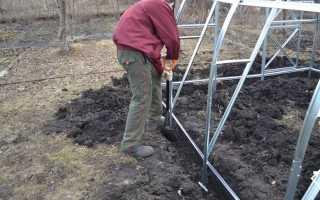 Как крепить теплицу из поликарбоната к земле