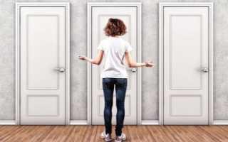 Как убрать краску с деревянной двери?