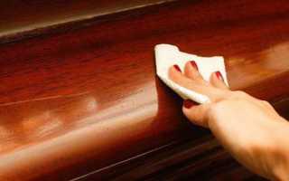 Как убрать царапины на полированной мебели?