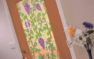 Как правильно наклеить самоклеющуюся пленку на дверь?