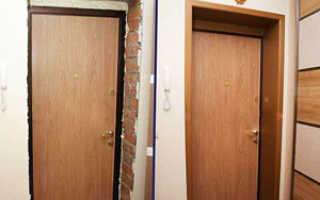 Как делают откосы у входной двери?