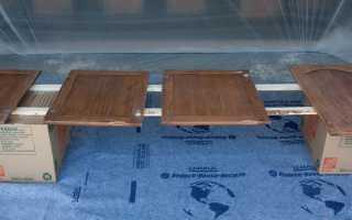 Чем покрасить деревянные фасады кухни?