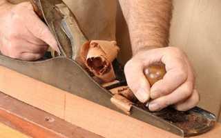 Как снять старую краску с деревянной двери?