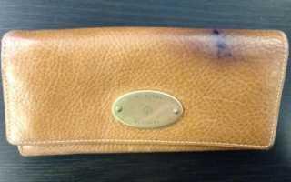 Чем оттереть ручку от кожзама дивана?