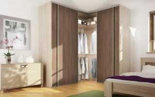 Угловая гардеробная в комнате