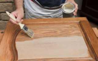 Чем покрасить старую мебель из дерева?